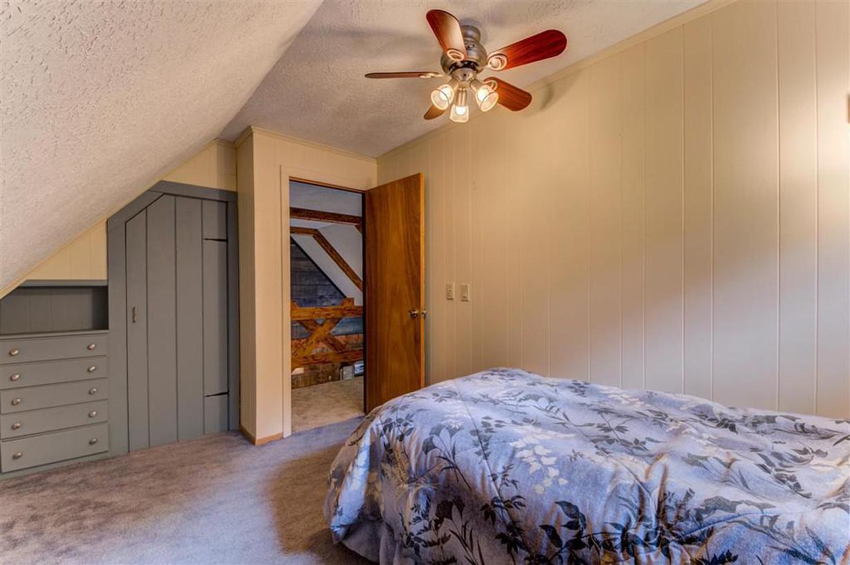 bedroomright2v1